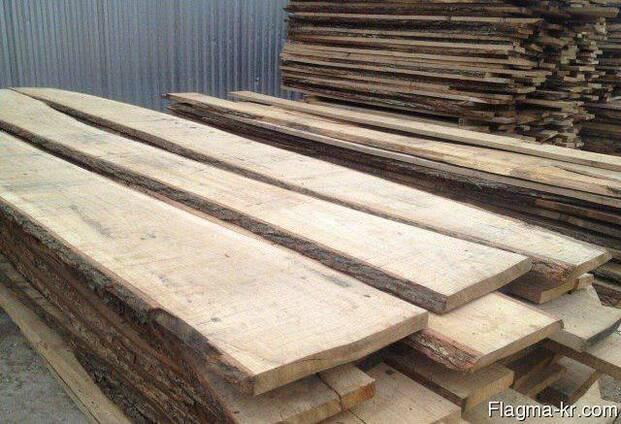 Oak planks, fresh sawn, unedged lumber, доска дуба